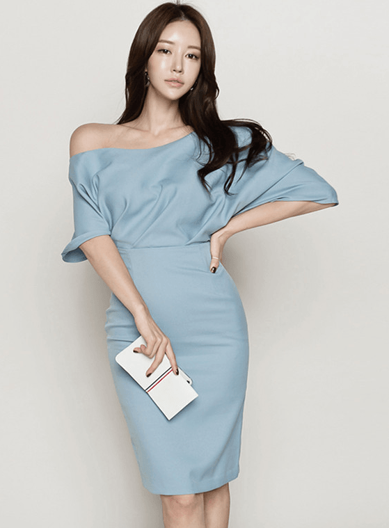 c55306a1baec Chielyn Boat Neck Short Sleeve Bodycon Dress. Chielyn Boat Neck Short Sleeve  Bodycon Dress $34.14 USD. Fila V-neck Fitted Waist Stripes Puff ...