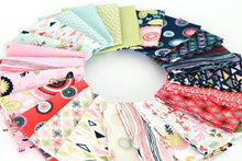 Load image into Gallery viewer, Sew Retro Fat Quarter Bundle – 24 pieces