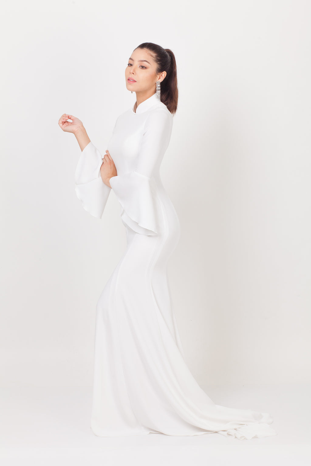 Qipology All White Bell Sleeves Bridal Cheongsam Gown
