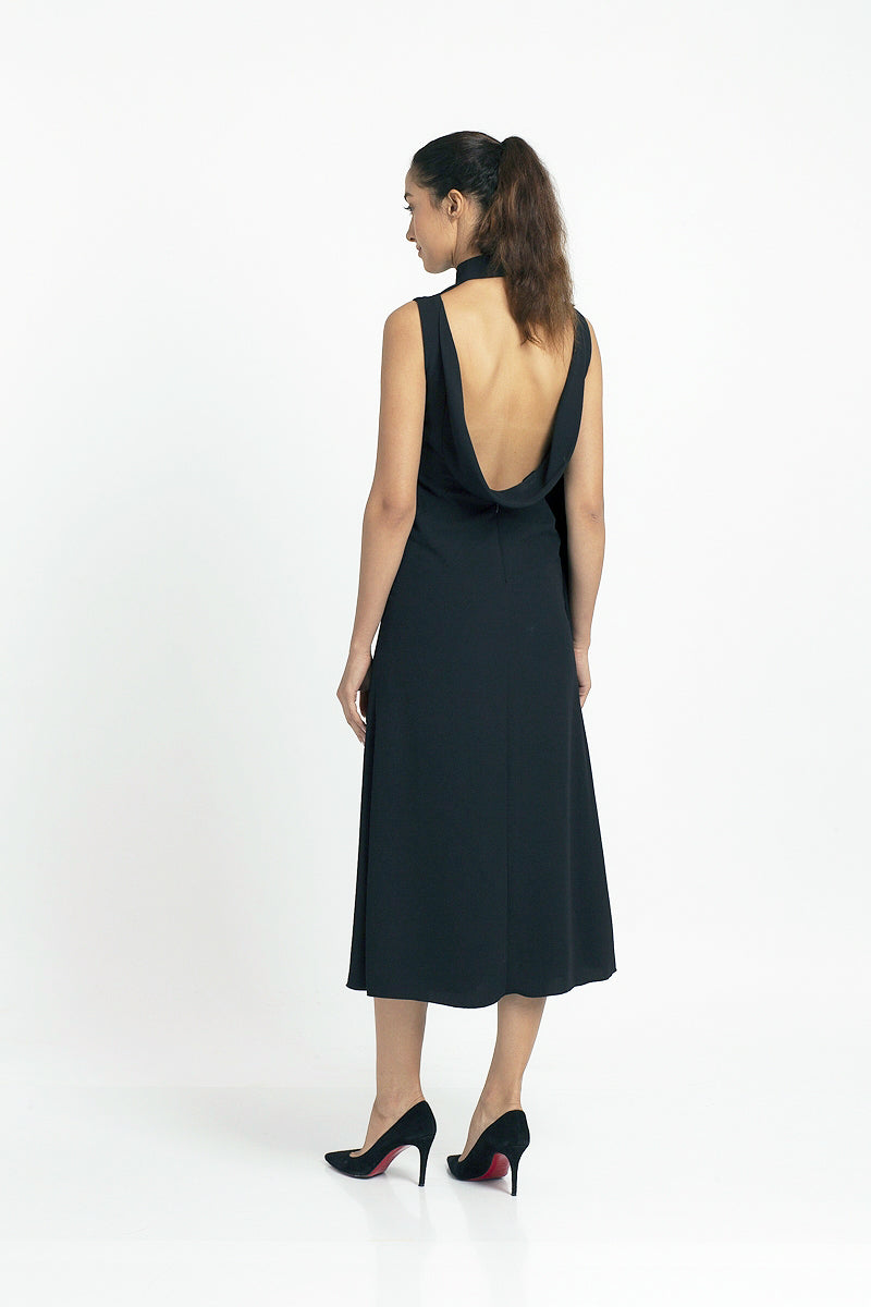 Qipology Scoop Back High Slit Qipao