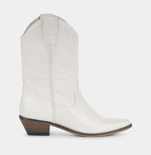 Ivylee Copenhagen Frances Boot Off-White