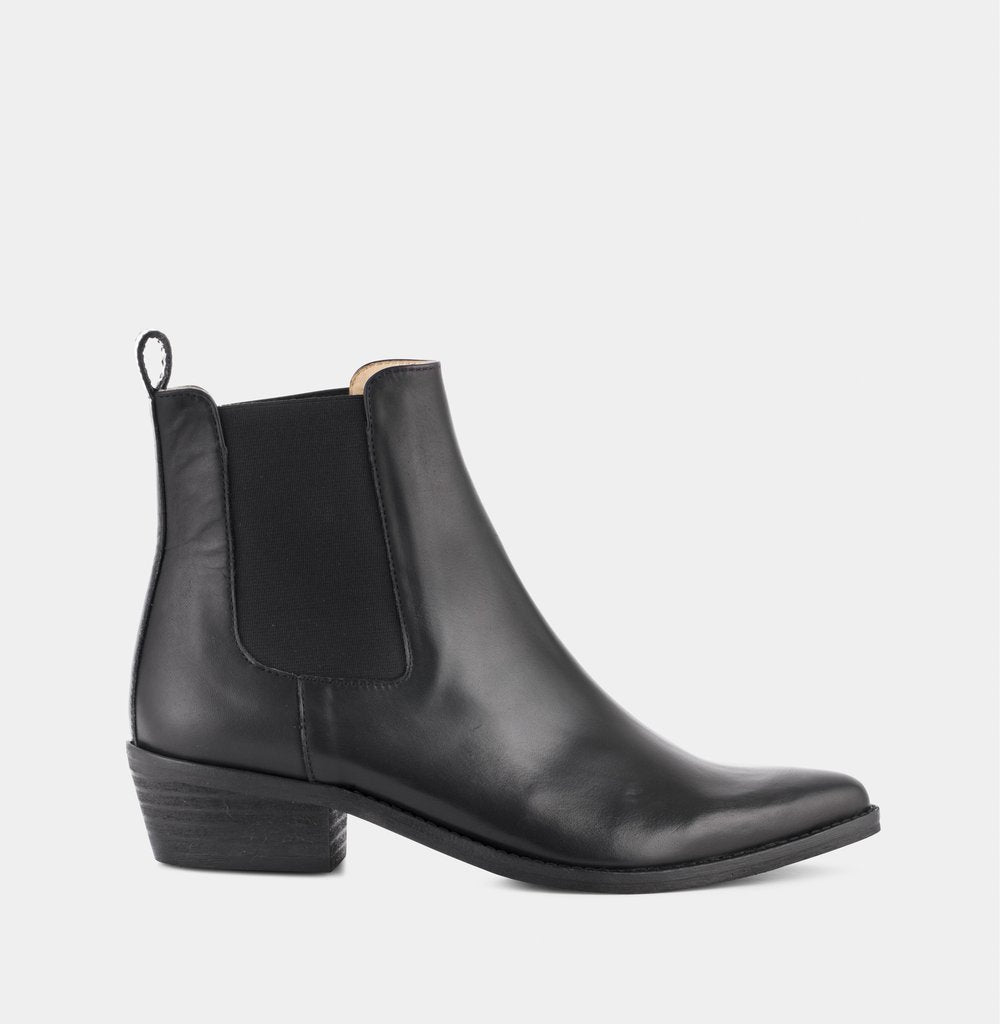 Stella - Black w. Black Sole - Ivylee Copenhagen Boots, Shoes, Sandals, Pumps, Clothing
