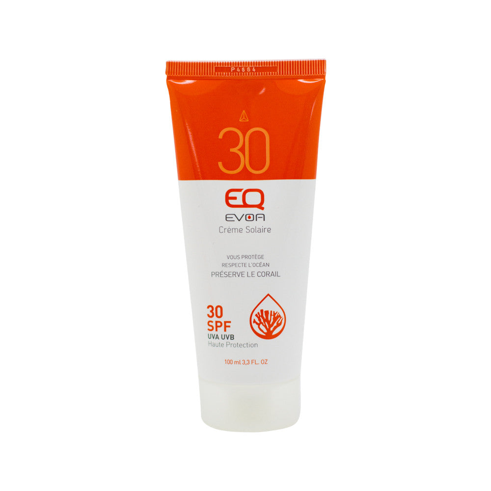 Organic high sun protection and pleasure even for the most sensitive skin thanks to a formula rich in organic antioxidant, nourishing and regenerating vegetable oils. 99% natural origin, mineral sunscreens, liquid texture, non-ecotoxic on the marine environment.