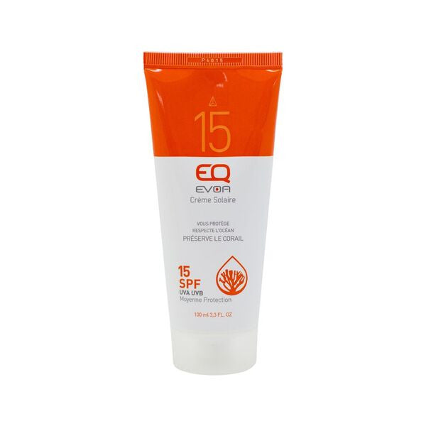 Face and Body Medium Protection SPF 15 - 100 ml Organic medium sun protection for skin with a base tan or which is not prone to sunburn. A pleasure even for the most sensitive skin thanks to a formula rich in organic antioxidant, nourishing and regenerating vegetable oils. 99% natural origin, mineral sunscreens, liquid texture, non-ecotoxic on the marine environment.