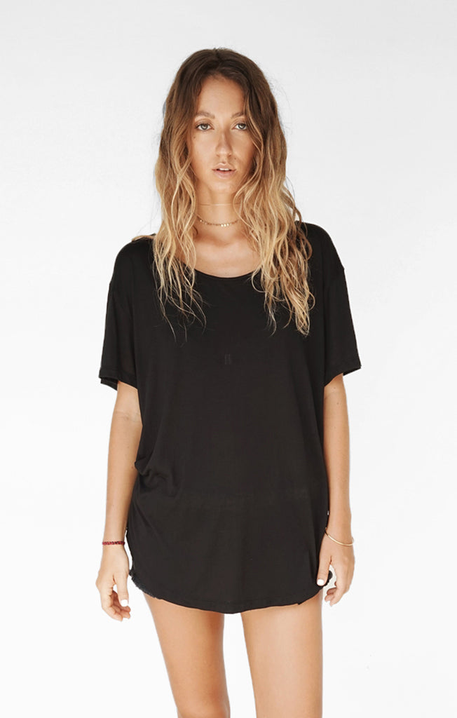 THE BOYFRIEND TEE - BLACK