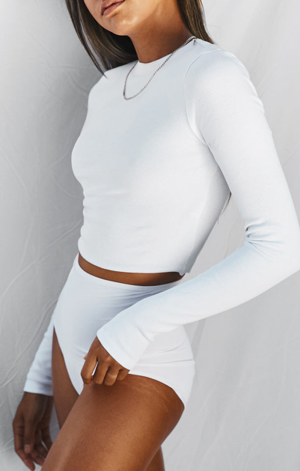 THE RIBBED LONG SLEEVE - WHITE