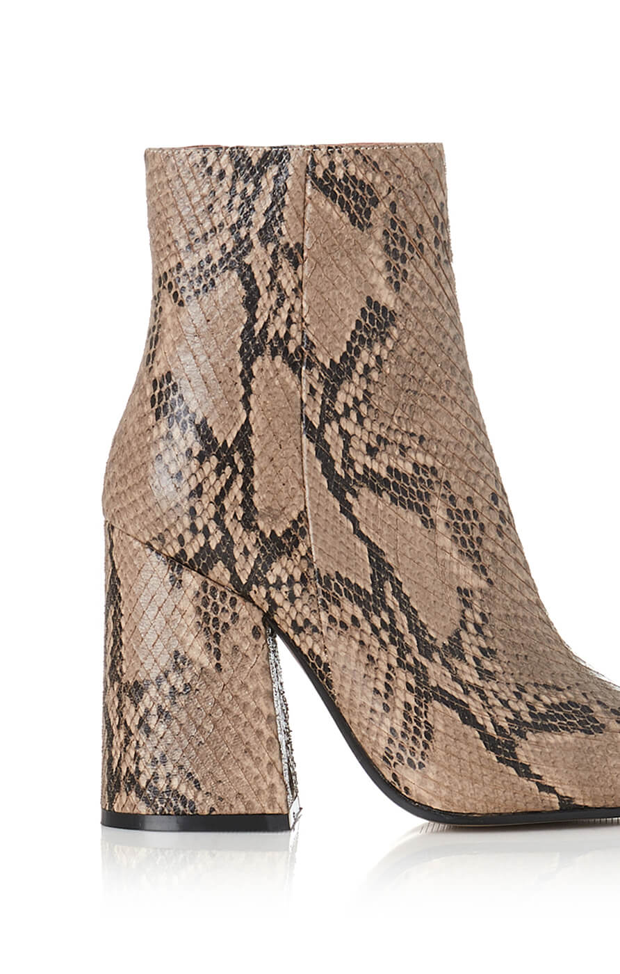 THE AHARA BOOT - BEIGE SNAKE LEATHER