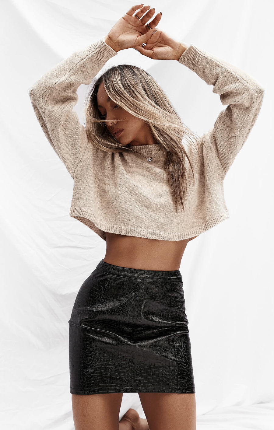THE CROPPED UNIVERSAL KNIT - BEIGE