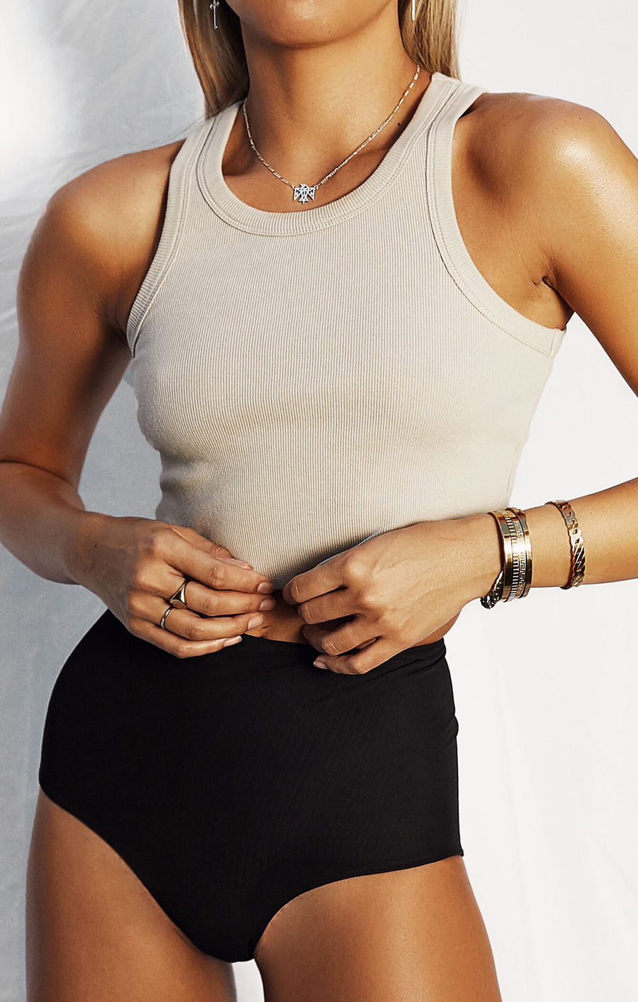 THE RIBBED MUSCLE CROP - STONE