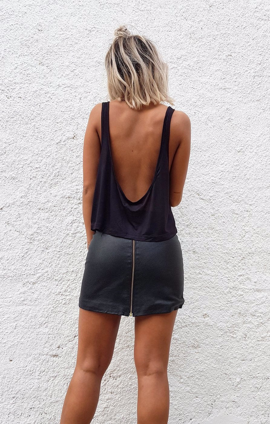 THE LOW BACK CROP - BLACK