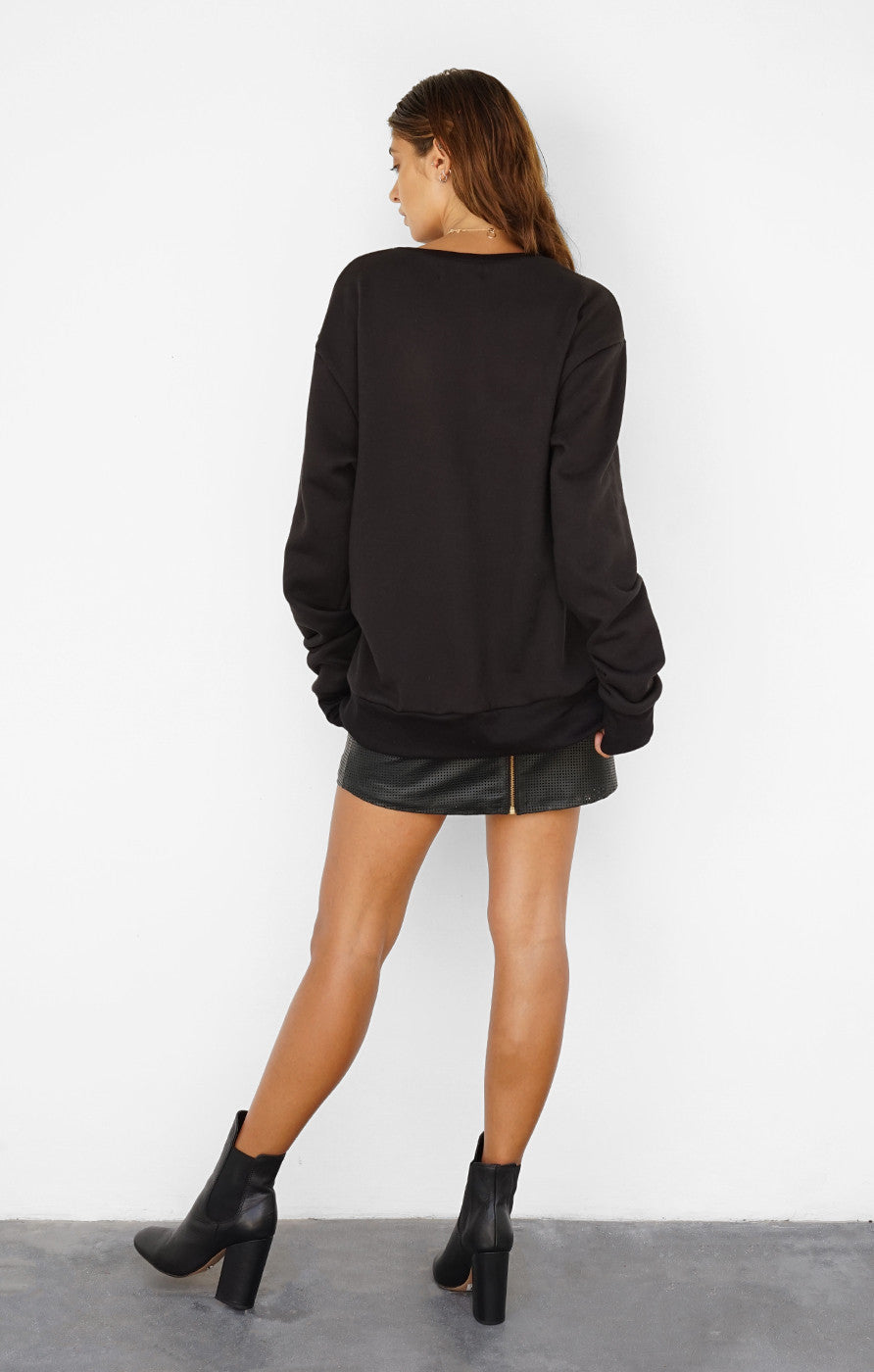 THE SIGNATURE BOYFRIEND JUMPER