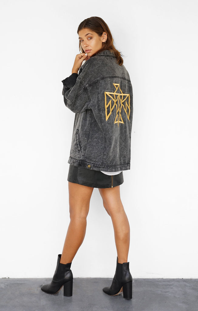 THE SIGNATURE BOYFRIEND JACKET