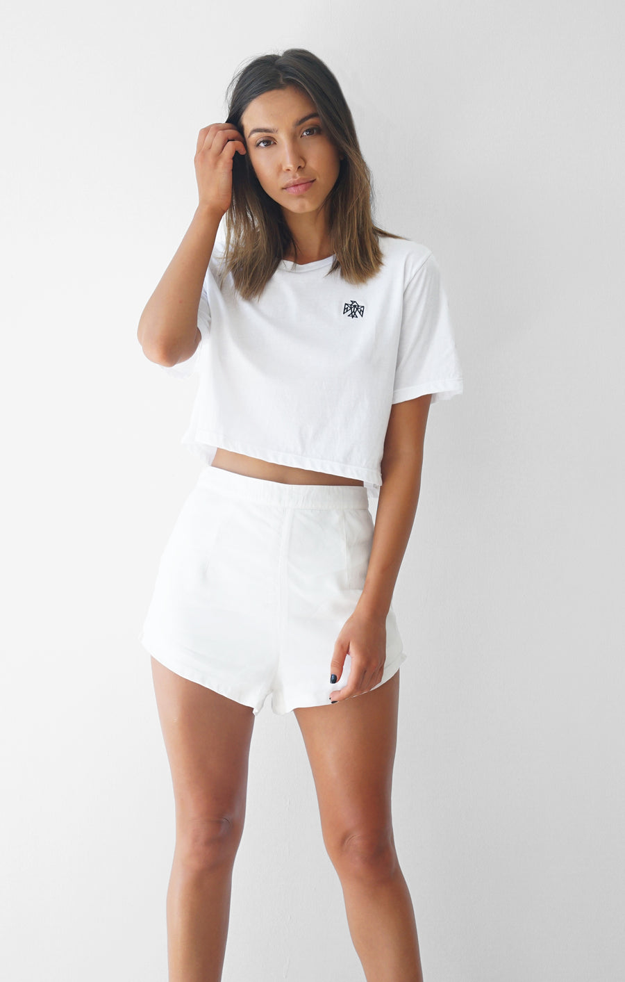 THE SIGNATURE CROP TEE