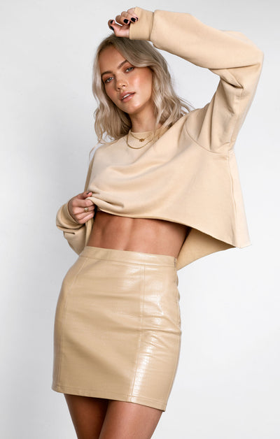 THE CROPPED SWEATER - CAMEL