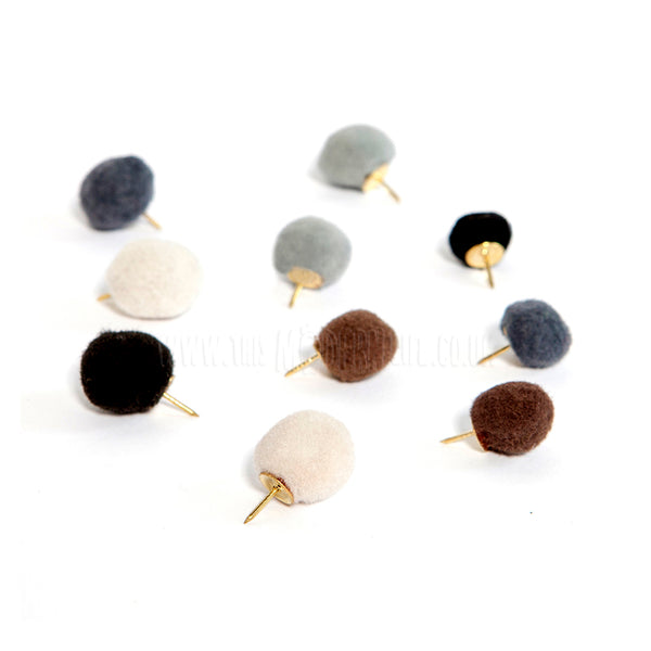 Pins . 10 Set . Pompoms / Natural