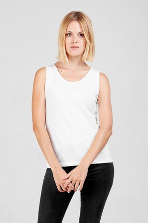 Dorsu fitted tank in white, available on ZERRIN