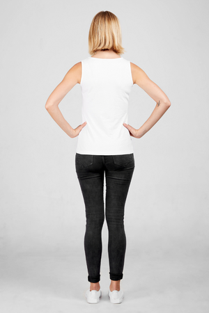 Back view of Dorsu fitted tank in white, available on ZERRIN