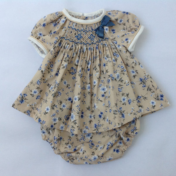 b6234529faf5 Smock jesusito in beige with blue - Traditional Spanish baby clothes –  Mibebe UK
