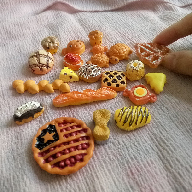 Kawaii Bread Fake Miniature Butter Breads Dollhouse Hair Bow Center 23PCS