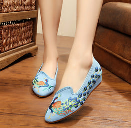 Elegant Peacock Embroidered Pointed Shoes for Woman