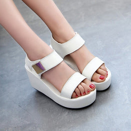 Fashionable Casual Metal Decor Wedges Sandals for Women