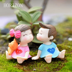 1Pair Sweety Lovers Couple Figurines Miniatures Fairy Garden Accessories
