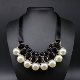 New Pearl Resin Necklace with Ribbon Statement for Women