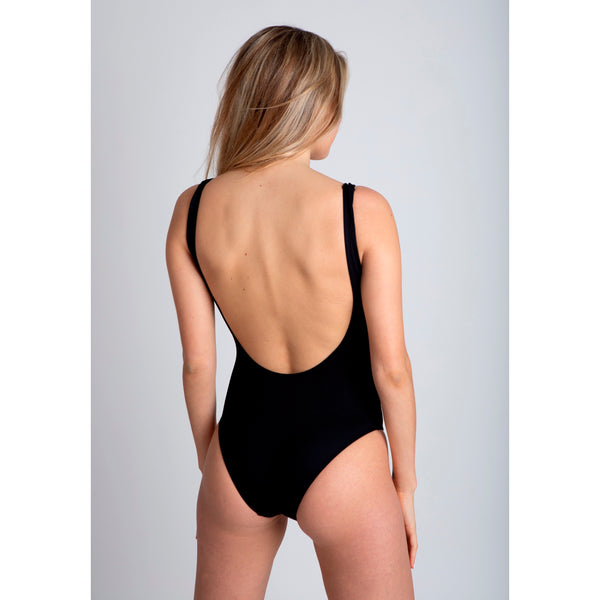 black pepper, traje de baño negro de espalda abierta, cremallera negra, black zipper, bañador, swimsuit, bathing suit, traje de baño cremallera, disponible en corte alto y bajo, available in high and low cut, open back one piece.