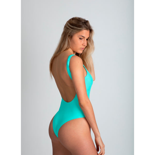 light blue honey, traje de baño azul claro de espalda abierta, cremallera coral flúor, fluorescent coral zipper, bañador, swimsuit, bathing suit, traje de baño cremallera, disponible en corte alto y bajo, available in high and low cut, open back one piece.