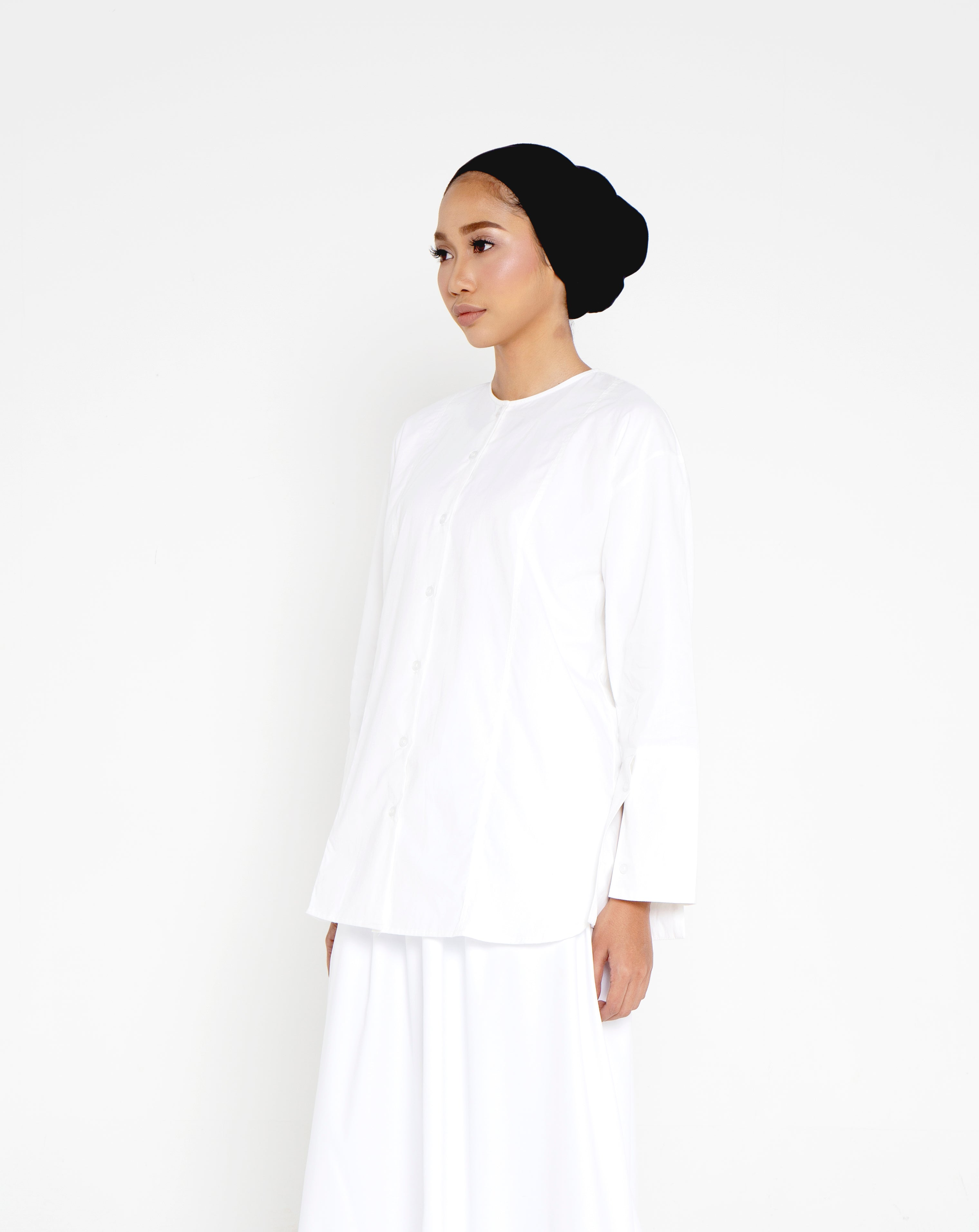 BUTTONED DOWN GADIS TOP (WHITE)