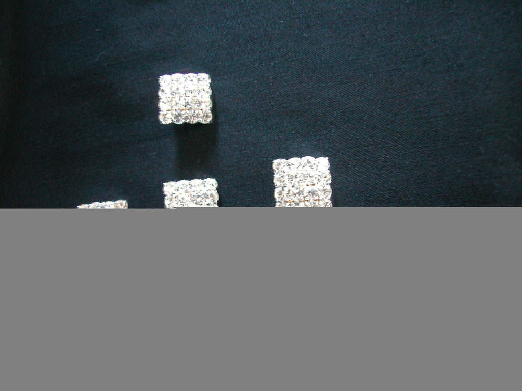 Diamonte square-shaped sparkling button 15mm wide - each