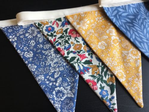Liberty English Garden Collection bunting - 2.6M - (blue/ochre)