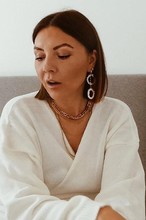 VIDEO - Nicole Ballardini styles BM jewelry | Boutique Minimaliste