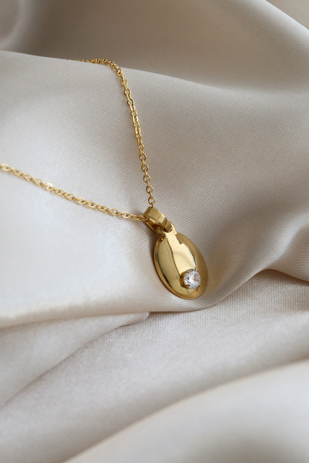 Adelaide Necklace - Boutique Minimaliste
