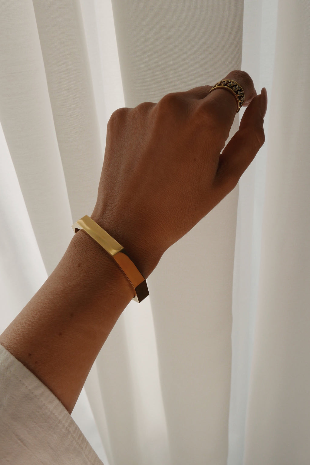 Alice Cuff - Boutique Minimaliste