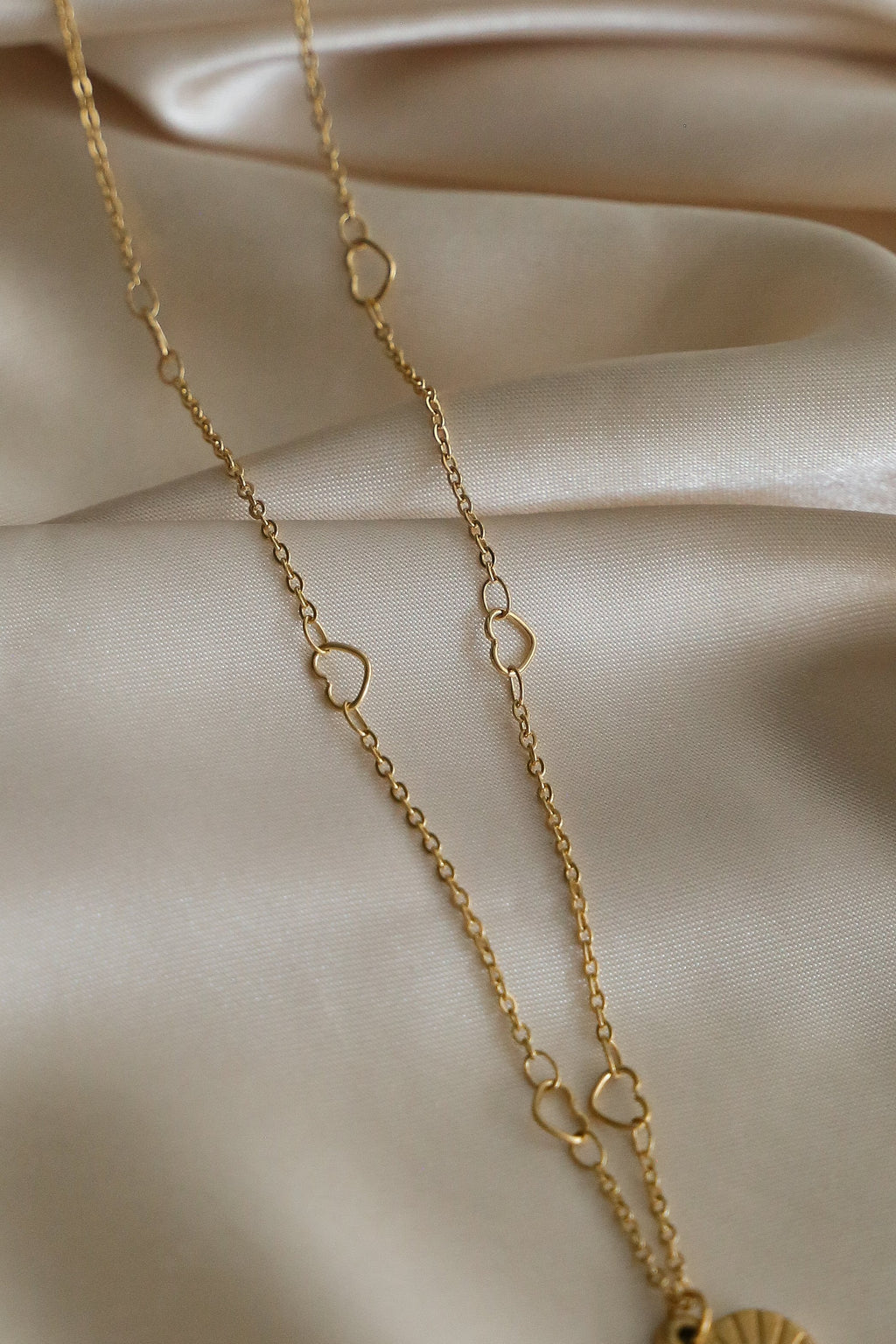 Amour Necklace - Boutique Minimaliste
