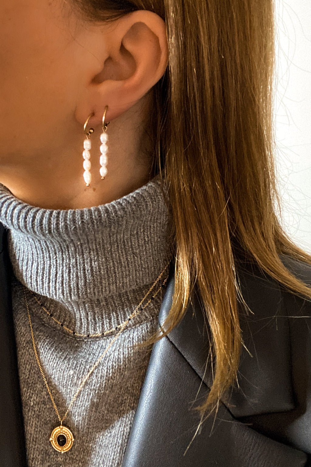 Brenda Hoop Earrings - Boutique Minimaliste