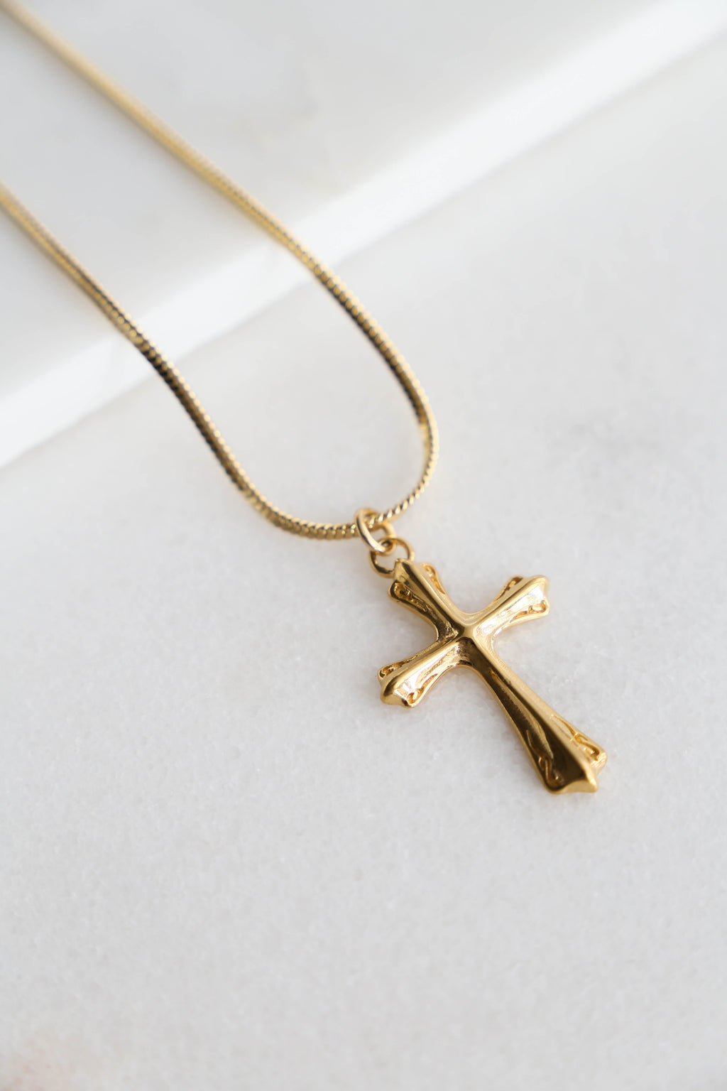 Cross Necklace - Boutique Minimaliste