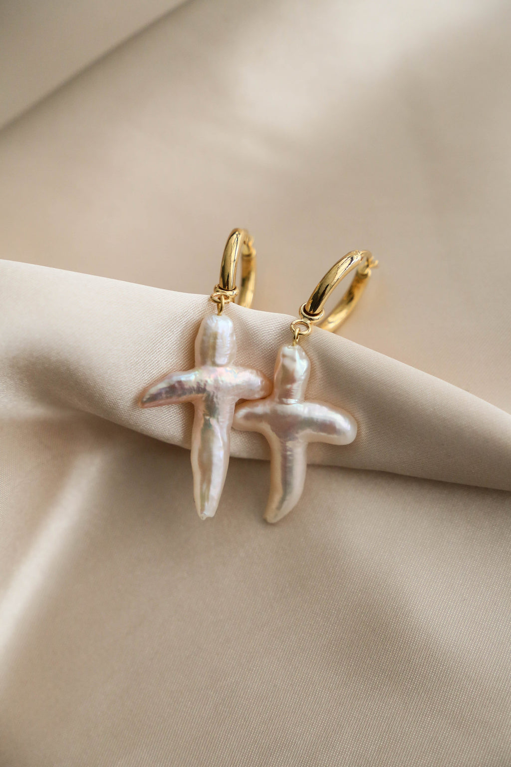 Cross Pearl Hoop Earrings - Boutique Minimaliste