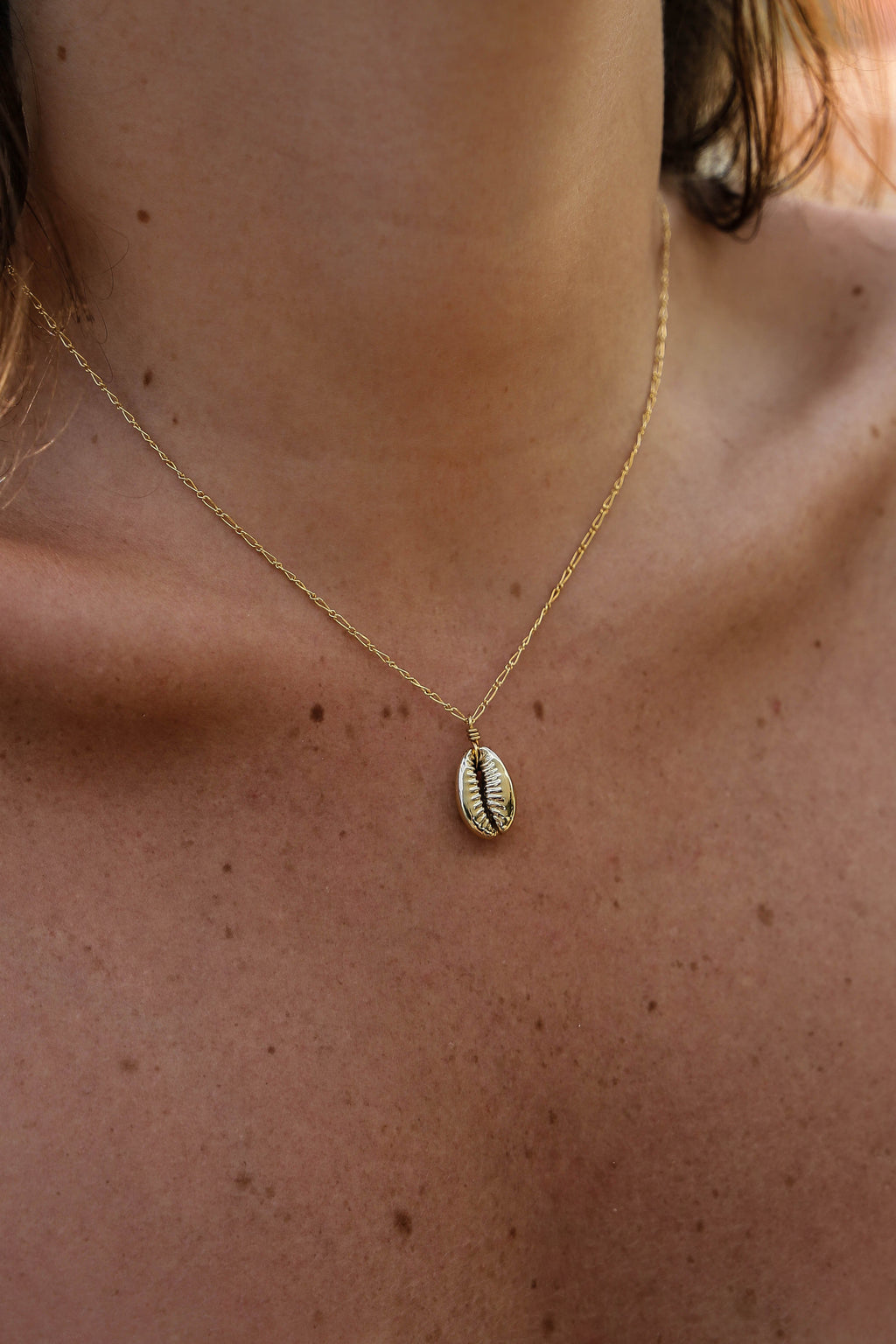 Gold Cowrie Necklace - Boutique Minimaliste