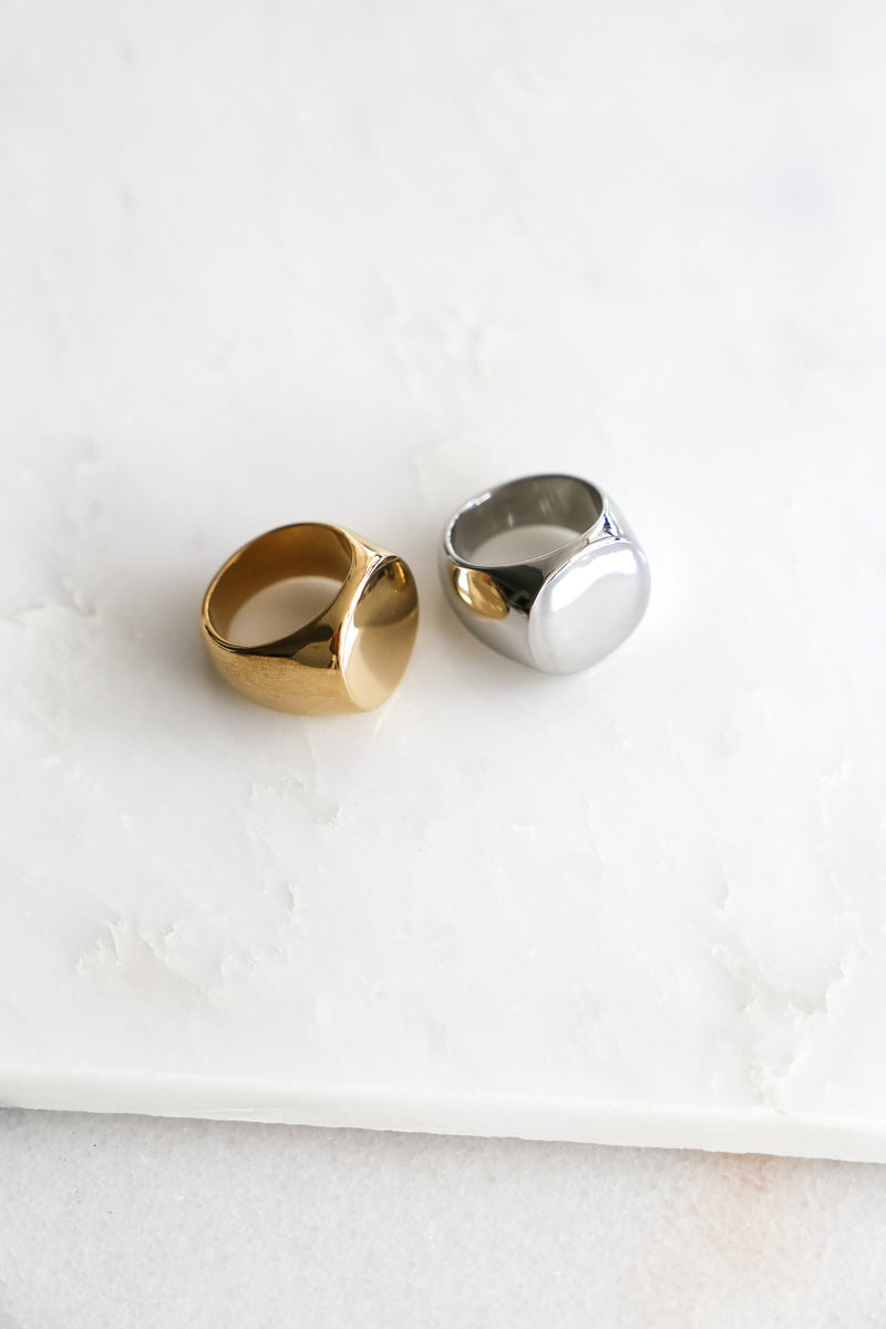 Round Signet Ring - Boutique Minimaliste