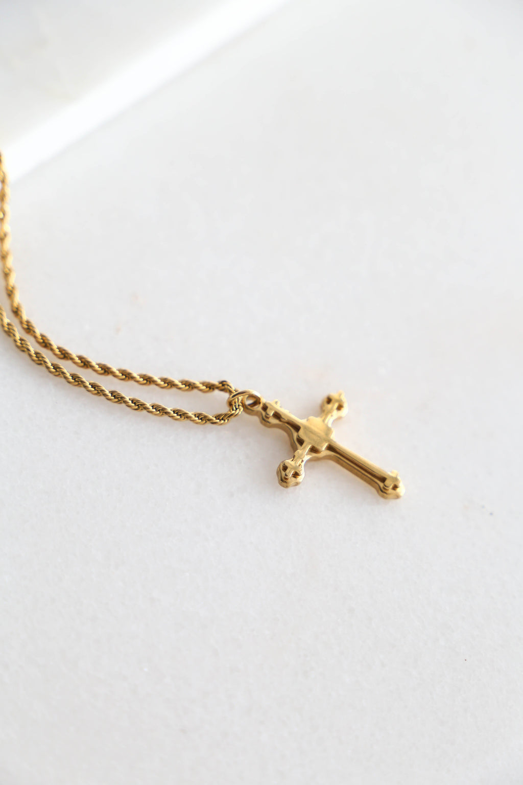 Statement Cross Necklace - Boutique Minimaliste
