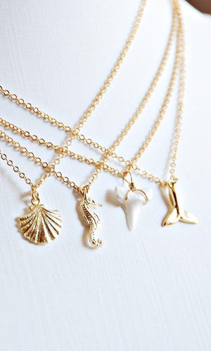 Tiny Shark Tooth Necklace - Boutique Minimaliste