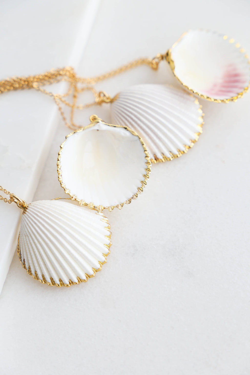 White & Gold Necklace - Boutique Minimaliste