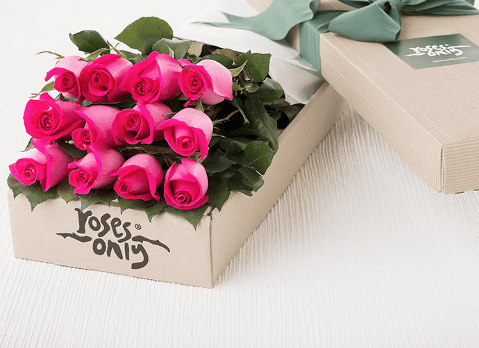 Mother's Day 12 Bright Pink Roses Gift Box
