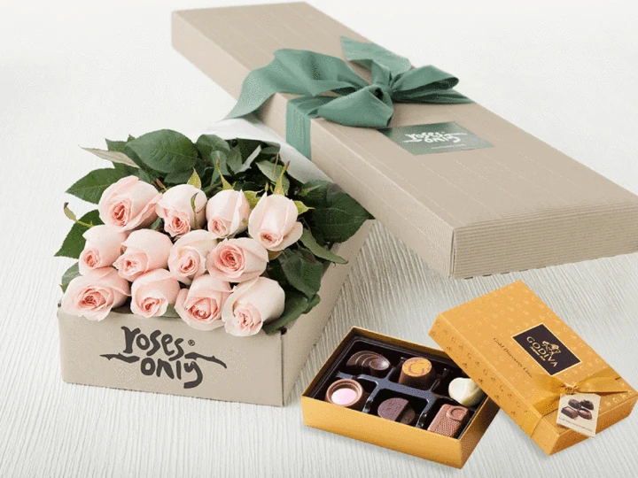 Pastel Pink Roses Gift Box 12 & Chocolates