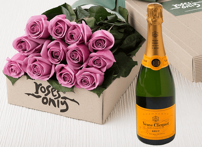 Mauve Roses Gift Box 12 & Champagne