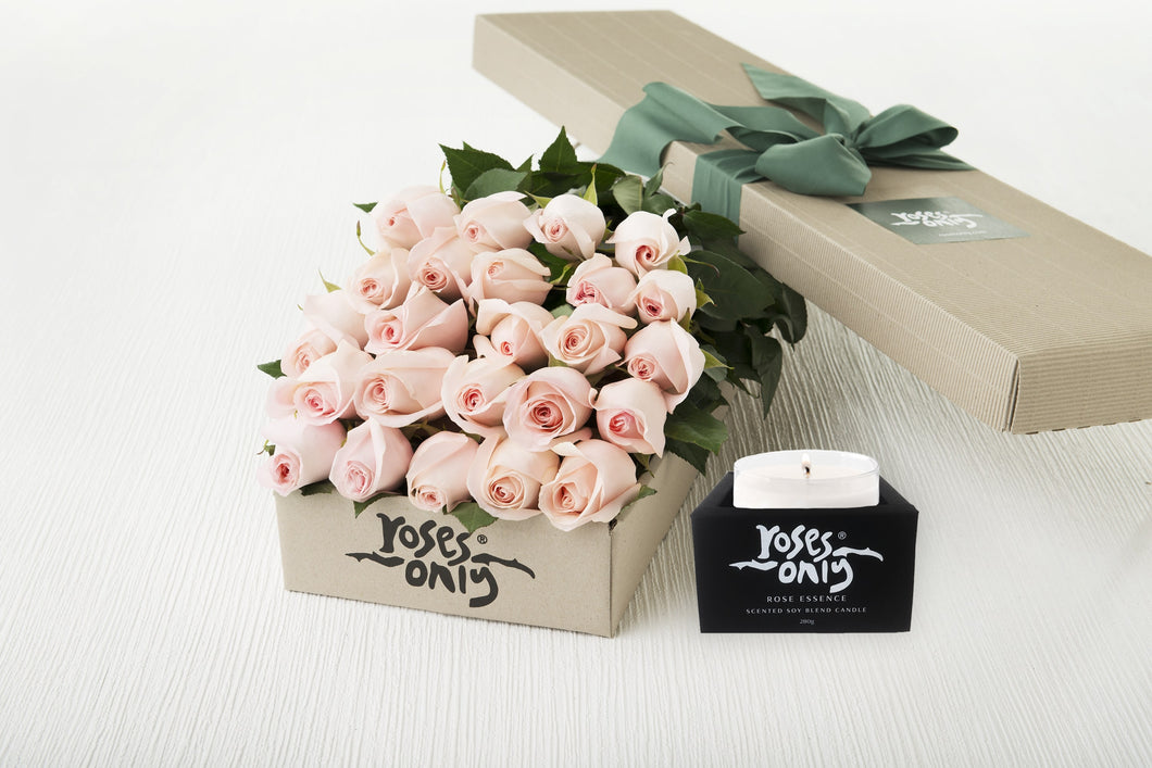 18 Pastel Pink Roses Gift Box & Scented Candle