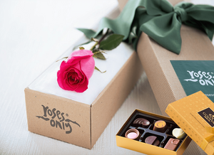 Bright Pink Rose Gift Box Single & Chocolates