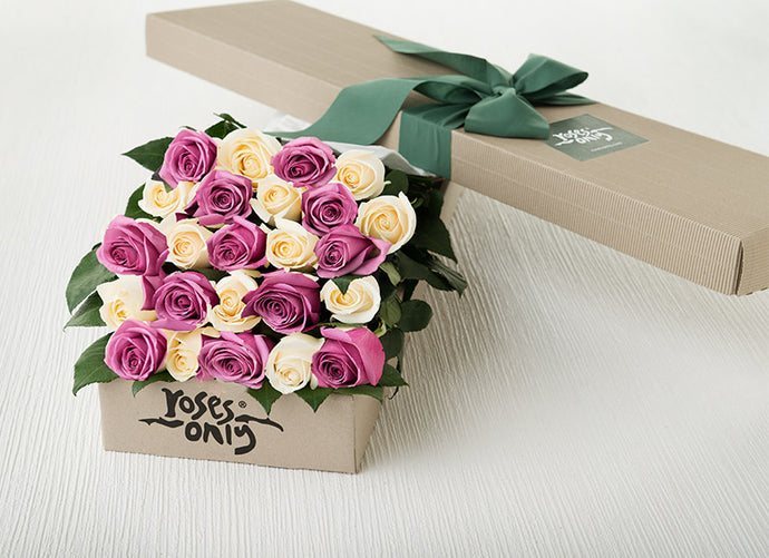 24 Cream White & Mauve Gift Box